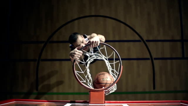 stockvideo's en b-roll-footage met slam dunk - basketbal teamsport