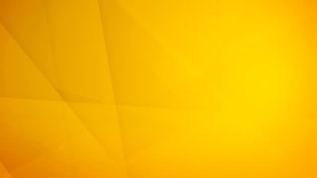 stockvideo's en b-roll-footage met schuine, schuine en scherpe hoekige abstract goudgeel geometrische vormen, rechthoeken, driehoeken, pleinen mazen elkaar en zweven rond lus kunnen naadloze 4k achtergrond video - naadloos patroon