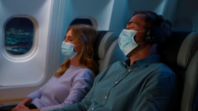 spanie w samolocie - kabina filmów i materiałów b-roll