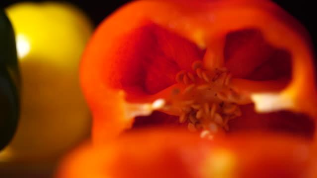 sliced bell pepper - paprica video stock e b–roll