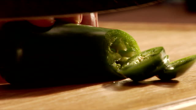 slicing green jalapeno video