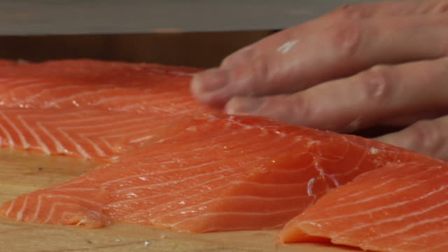 Slicing salmon fillets video