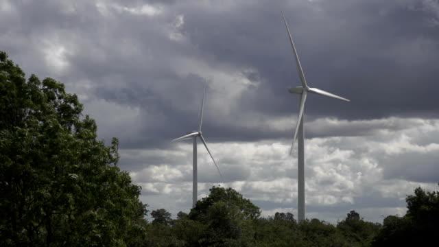 SloMo Wind Turbines video