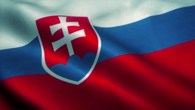 slowakei flagge weht im wind. nationalflagge der slowakei. zeichen der slowakei nahtlose schleife animation. 4k - slowakei stock-videos und b-roll-filmmaterial