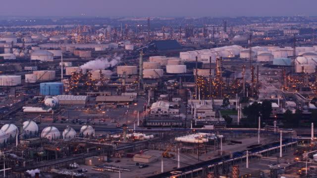 Slow Flight Across Massive Oil Refinery Complex видео
