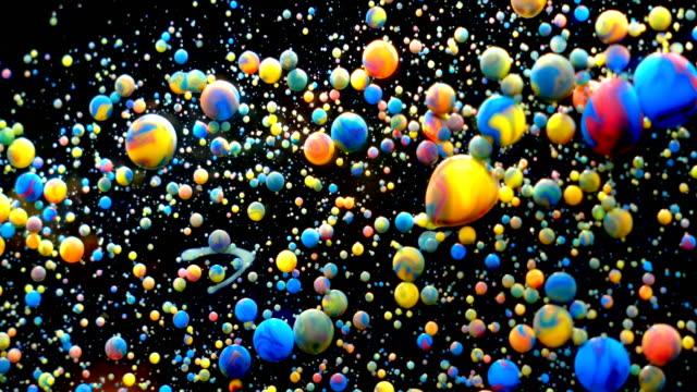 slow motion ljusa färger bubblor olja vacker färg universum färg rörliga mångfärgade närbild. akrylfärg. fantastisk yta. abstrakt färgglada färg metamorphosis struktur färgglada bubblor - marble bildbanksvideor och videomaterial från bakom kulisserna