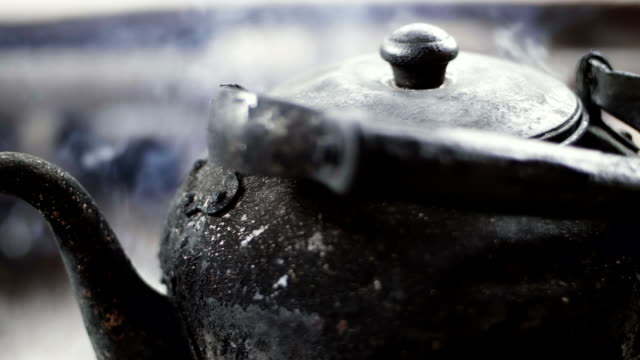 Slow Motion : Dirty Kettle video