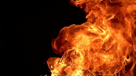 vídeos de stock e filmes b-roll de slow motion fire - chama