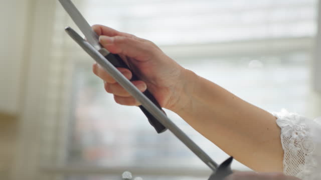 Slow motion knife sharpening