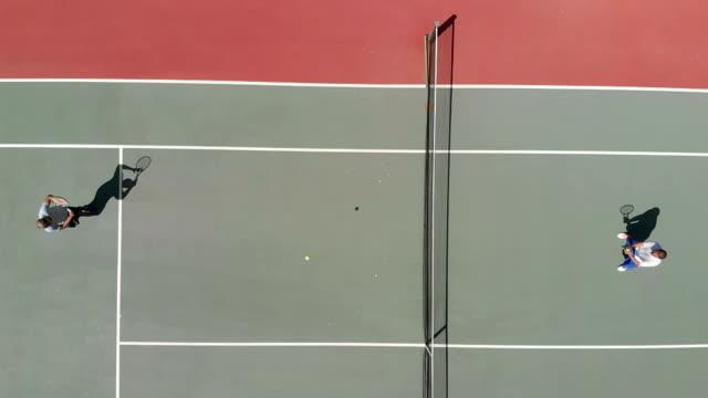 スローモーションのテニス選手 - テニス点の映像素材/bロール