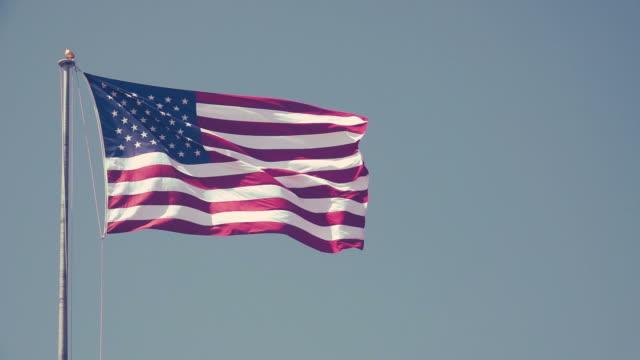 슬로우 모션 미국 플래그 - american flag 스톡 비디오 및 b-롤 화면