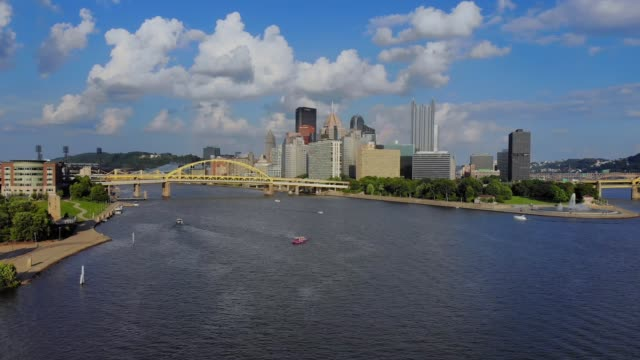 Slowly Rising Forward Aerial View of Pittsburgh video