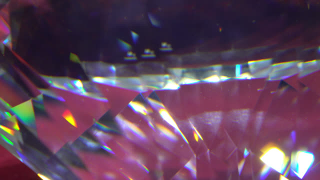 långsamt roterande diamant, närbild. - loopad bild bildbanksvideor och videomaterial från bakom kulisserna