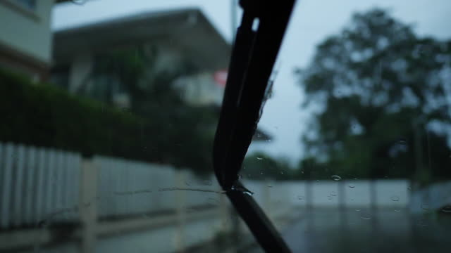 slow-motion, windshield wiper switching