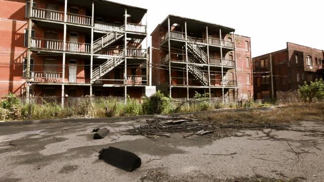 stockvideo's en b-roll-footage met slum - verlaten slechte staat