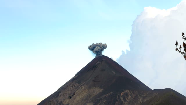 Small Black Eruption o the Vulcan video