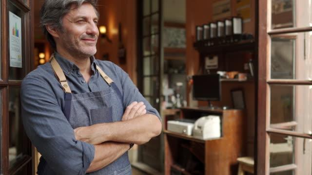 small business owner - mały filmów i materiałów b-roll