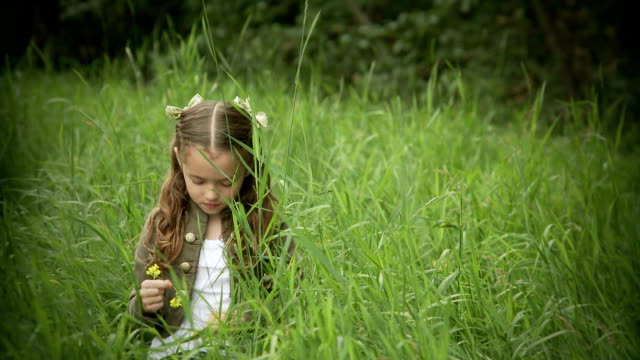 Small girl enjoys the outdoors. video