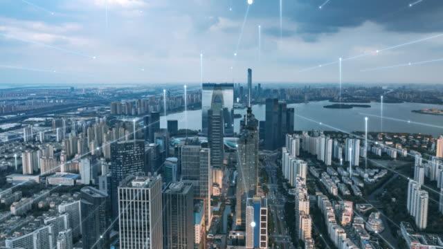 soyut çizgi ile akıllı şehir - şehir hayatı stok videoları ve detay görüntü çekimi