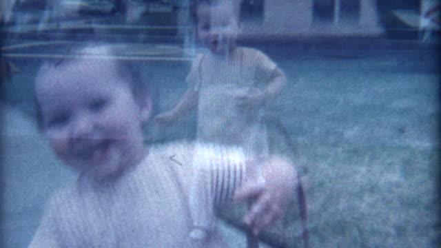 vídeos y material grabado en eventos de stock de sonriente bebé 1960 - memorial day