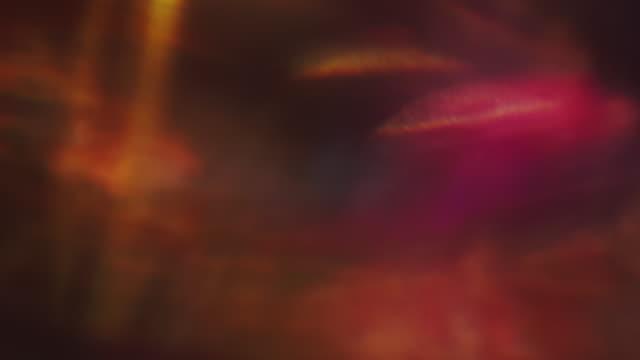 滑らかなホログラフィックレンズフレア。驚くほどリアルな光が漏れる。光が混沌と輝く - 文字記号点の映像素材/bロール