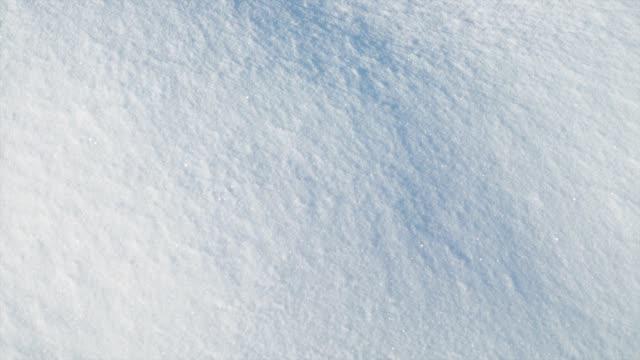 snö skytte, på vintern. skytte i januari. bakgrund i form av snö. - djupsnö bildbanksvideor och videomaterial från bakom kulisserna