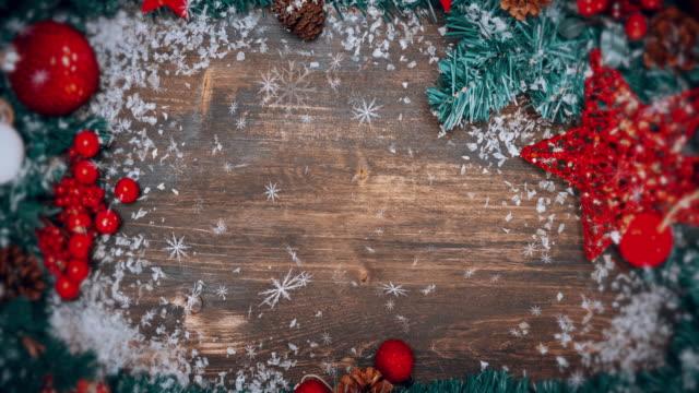 weihnachten hintergrund schneien - weihnachtskarte stock-videos und b-roll-filmmaterial
