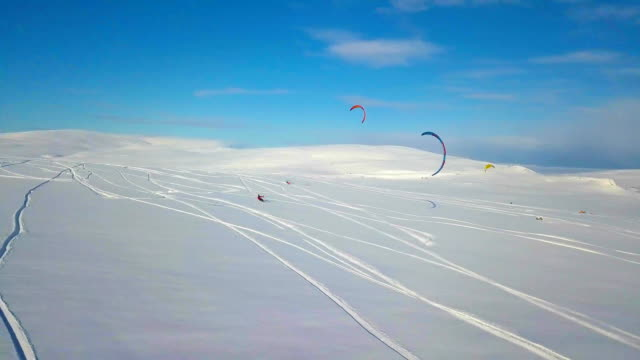 Snowkiting in the North
