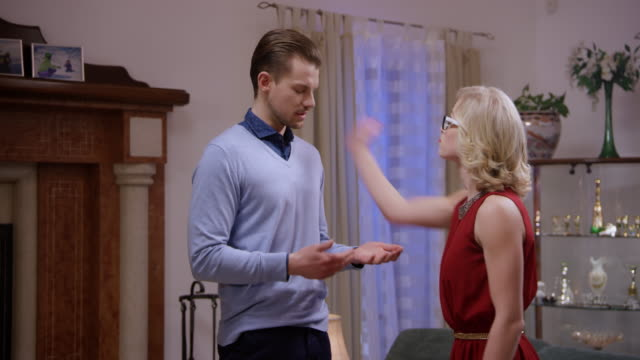 Soap opera: Man ending his relationship with a woman