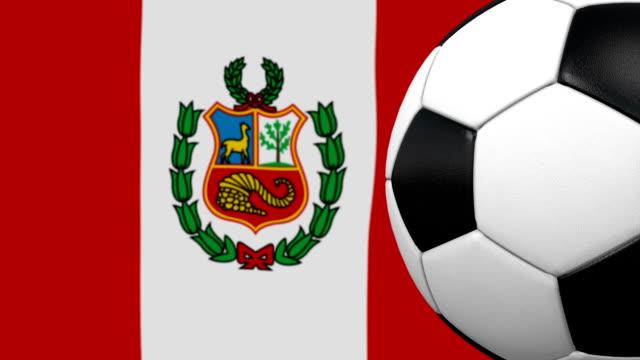 Lazo de pelota de fútbol con fondo de bandera peruana - vídeo