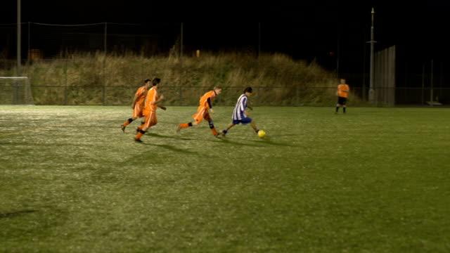 サッカーサッカー/アクション - サッカークラブ点の映像素材/bロール