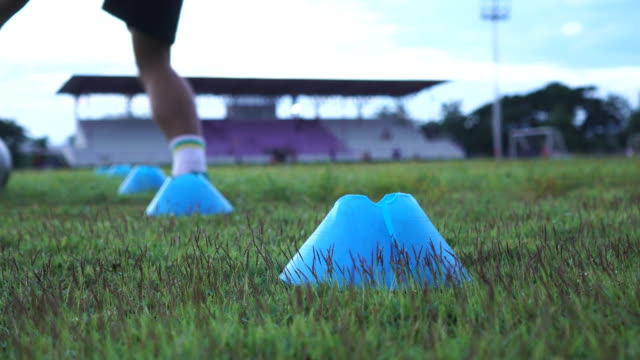 4K MS soccer player training football session video