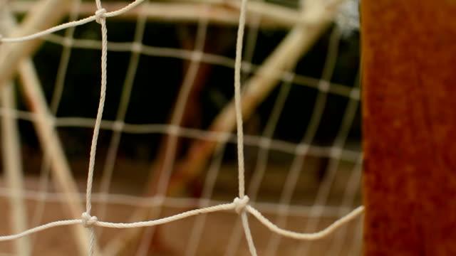 vídeos de stock, filmes e b-roll de gol de futebol - futebol internacional