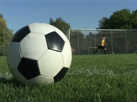 サッカー研修 - サッカークラブ点の映像素材/bロール