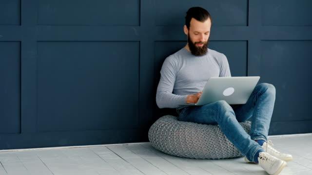 social media influencer marketing SMM blogger laptop