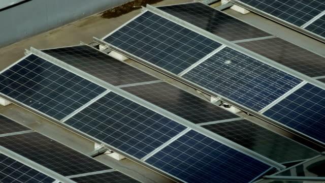sol paneler array - roof farm bildbanksvideor och videomaterial från bakom kulisserna