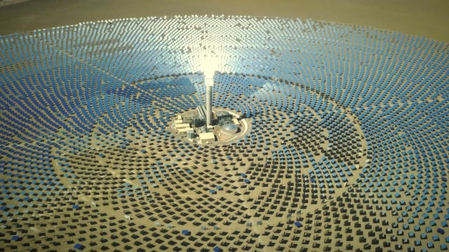 solar thermal power station aerial view - centrale termoelettrica video stock e b–roll