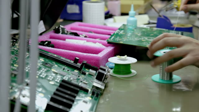 Soldering components on a circuit board video