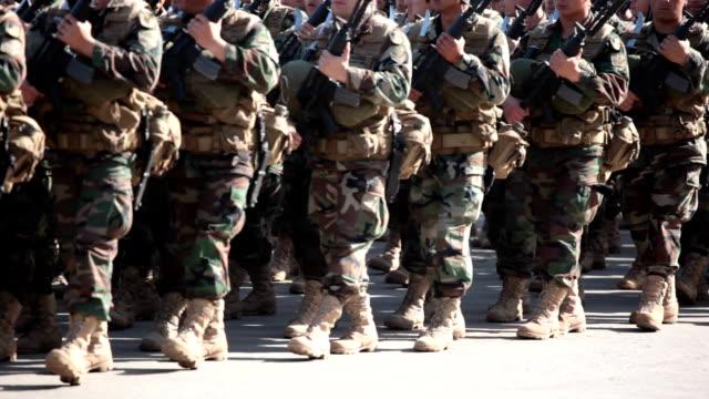 Soldaten Marschieren – Video