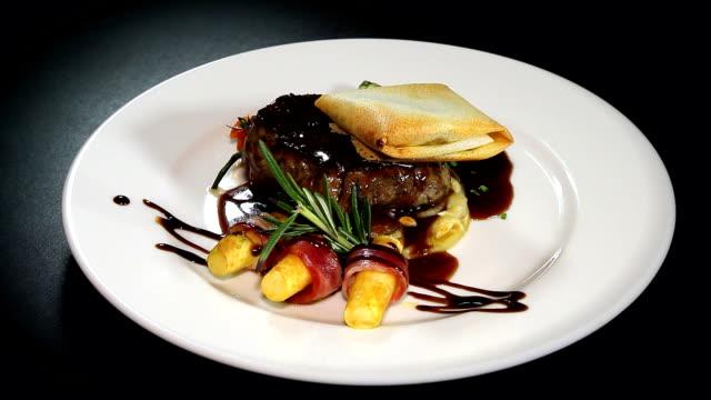 Solomillo de Ternera con salsa Oporto y Foie gras - vídeo