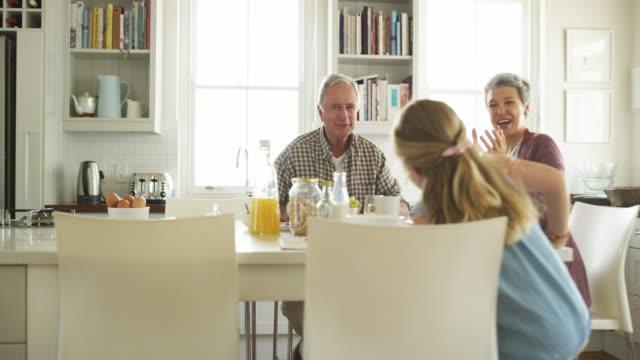 stockvideo's en b-roll-footage met iemand werd wakker met een enorme eetlust vandaag - breakfast