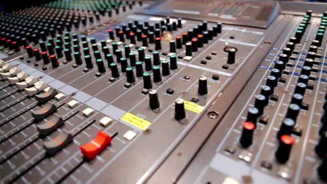 vidéos et rushes de mixage du son - batteur électrique