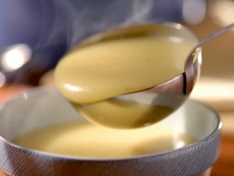 Soup Spoon. cucharon sirve sopa