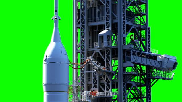 space launch system on launch pad. green screen. - pojęcia i zagadnienia filmów i materiałów b-roll