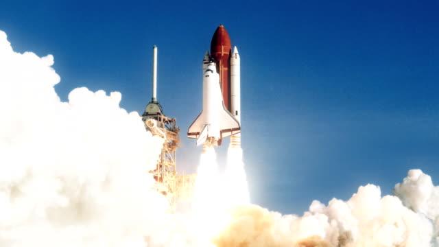 rymdfärjan lanseringen i slow motion. (nasa logotyp tas bort) - 4 kilometer bildbanksvideor och videomaterial från bakom kulisserna