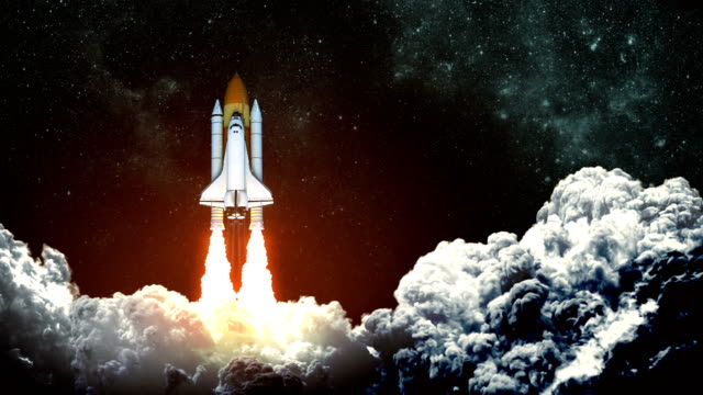 4 k. space shuttle start auf grund des nachthimmels. slow-motion. - rakete stock-videos und b-roll-filmmaterial