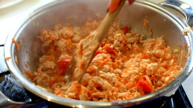 Spaghetti Sauce, slo mo video