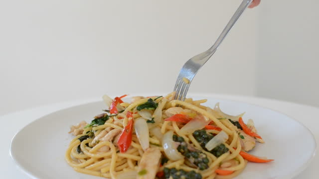 Spaghetti spicy seafood noodle video