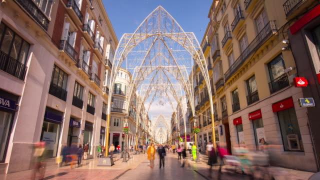 Espagne Malaga lumière de principal street, avec décoration de Noël 4 k intervalle régulier - Vidéo