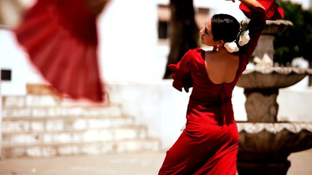 spanische flamenco-tänzern - spanien stock-videos und b-roll-filmmaterial